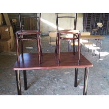 Table + 04 chaises